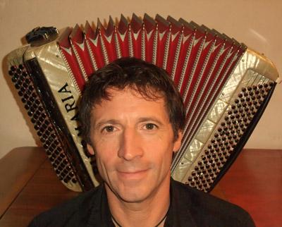 Cours d'accordéon à Carcassonne avec Alain Bednarczyk. L'école de musique vous propose les cours individuel d'accordéon chromatique à bouton.