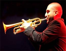 Cours de trompette à Carcassonne par le professeur Eric Robert à l'école de musique Polysons. Tous niveaux, toute l'année.